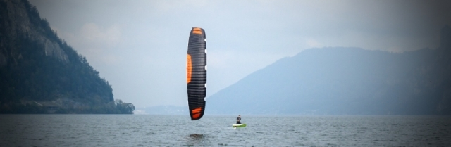 A kite designed just to race, not ride waves.
