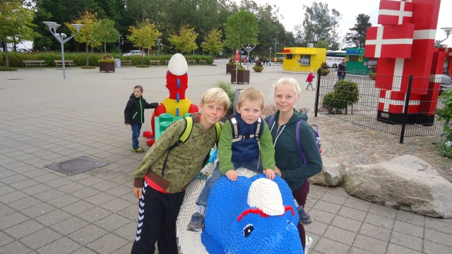 A 40 year long dream finally fulfilled on my trip to Legoland Billund with Thilde's mother and we borrowed all her nieces and nephews. They won't let you in unless you have a child with you.